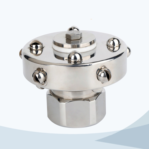 Sanitary female rotary tank cleaning nozzle